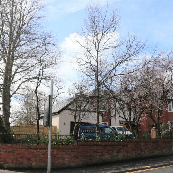 Worsley Road